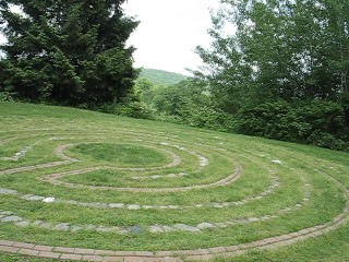 10087712 the labyrinth at wisdom house
